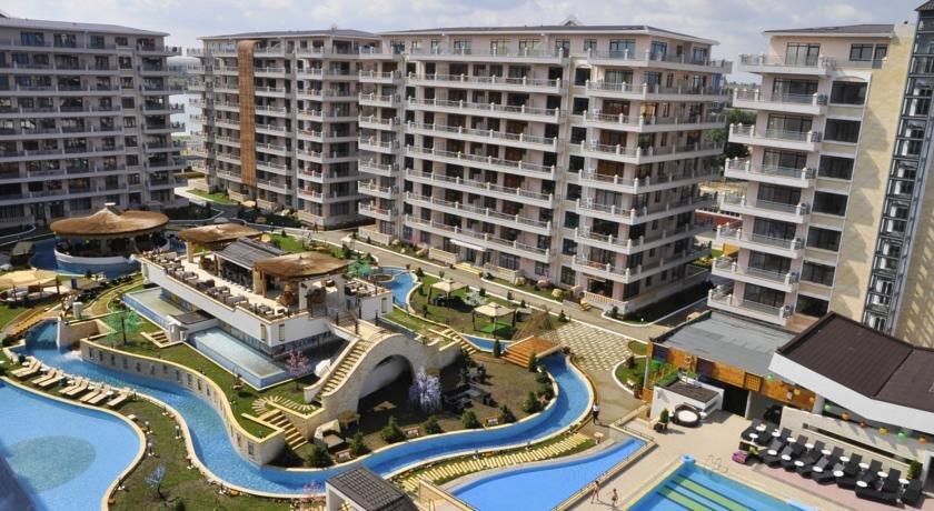 Hotel Phoenicia Holiday - Corpurile Superioare
