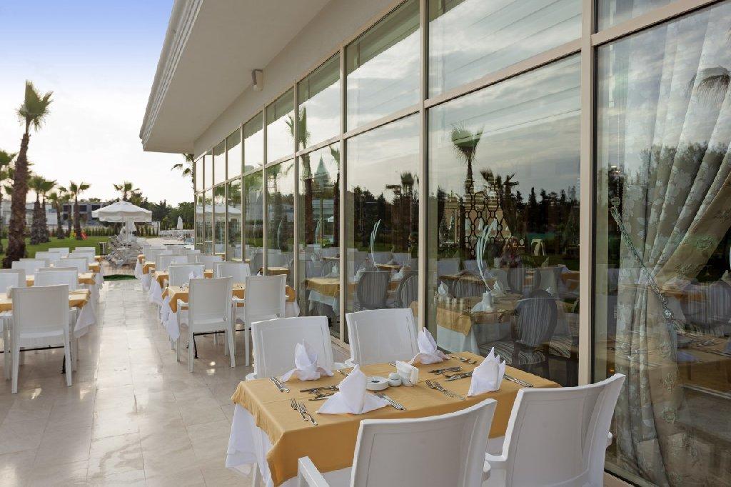 Hotel Heaven Beach Resort
