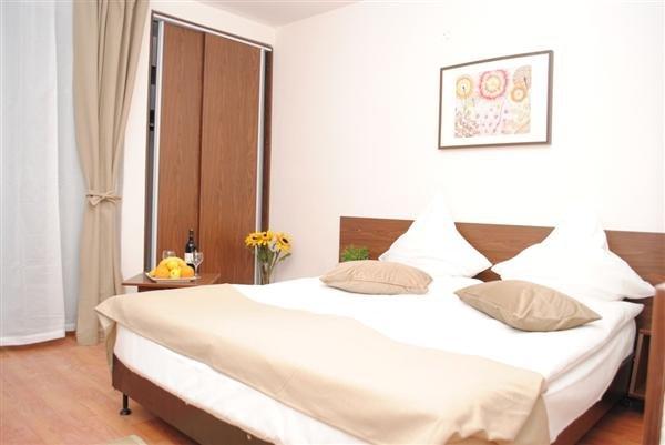 Hotel Complex Mediteranean Mamaia Resort ( Fara Plaja)