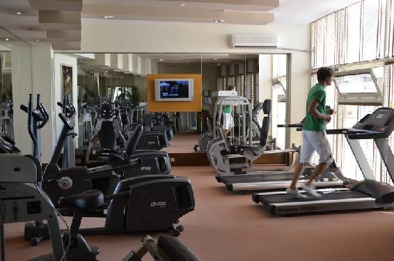 Hotel Sherwood Breezes Resort